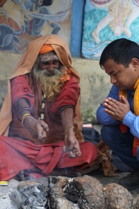 Devotees come to ask for guidance from Sadhus and pray together. © Donatella Lorch