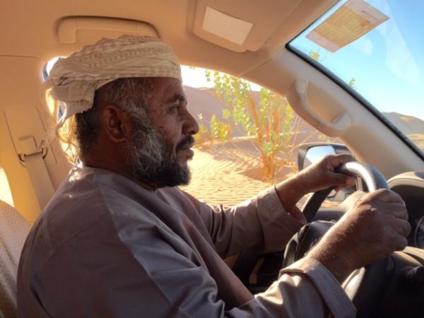 Bhakit in his comfort zone deep in the Rub' al Khali. © Donatella Lorch