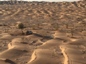 Our campground and car in the Rub' al Khali. ©Donatella Lorch