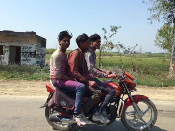 In India, on the road to Nepalganj. ©Johannes Zutt